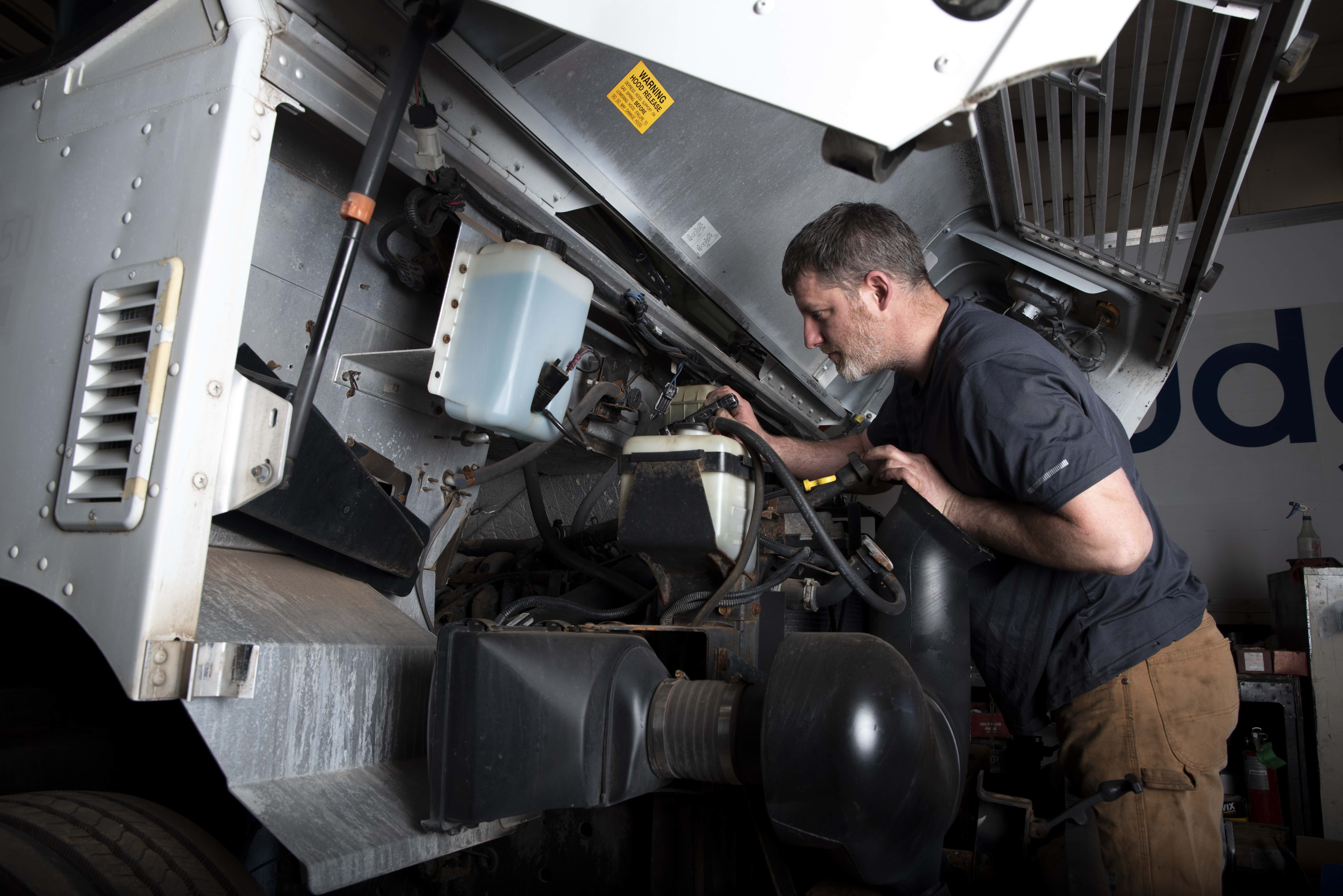 3 Things to Look For in an Oklahoma Truck Service Facility