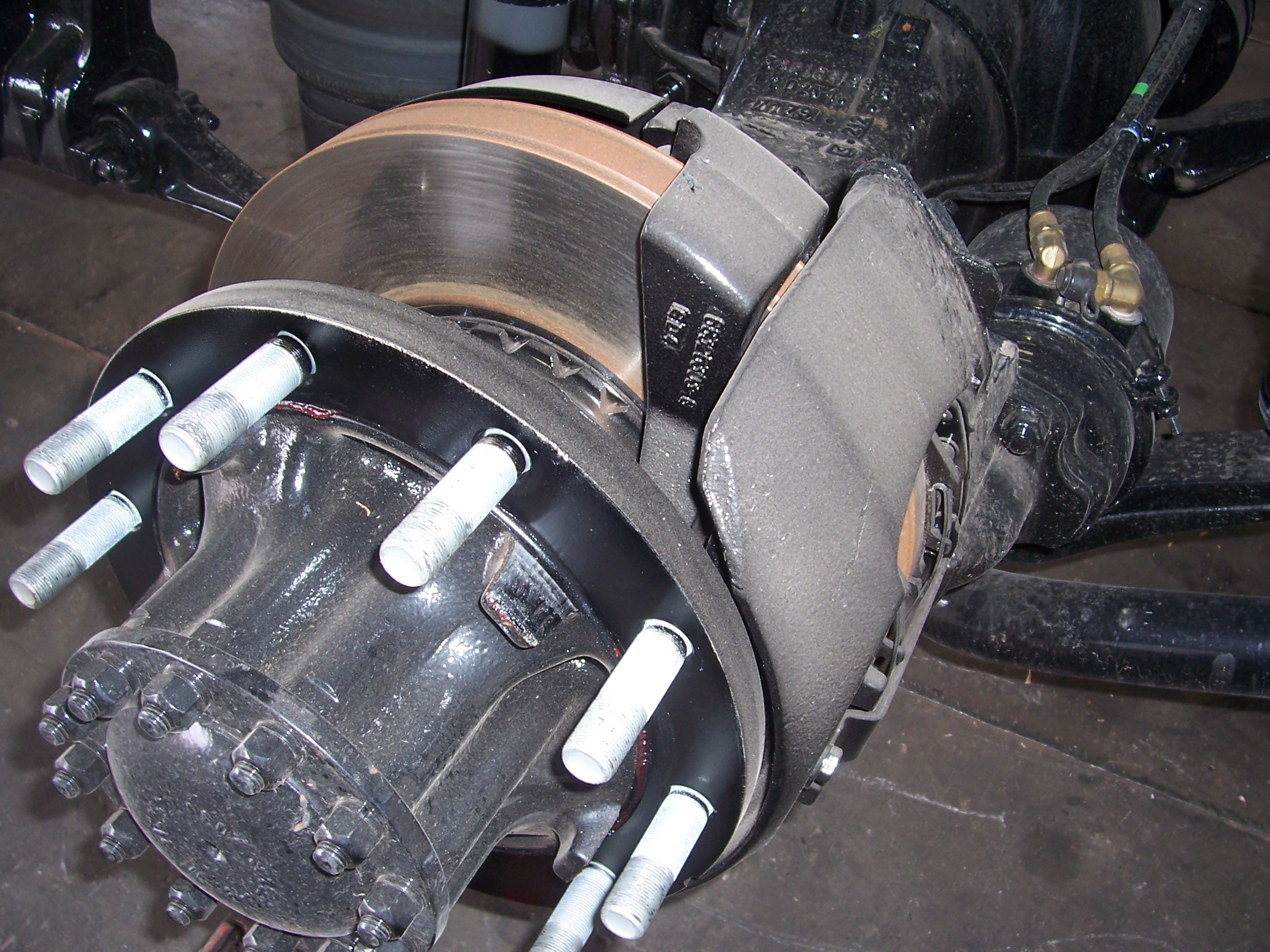 The Most Common Signs of Medium Duty Box Truck Brake Problems